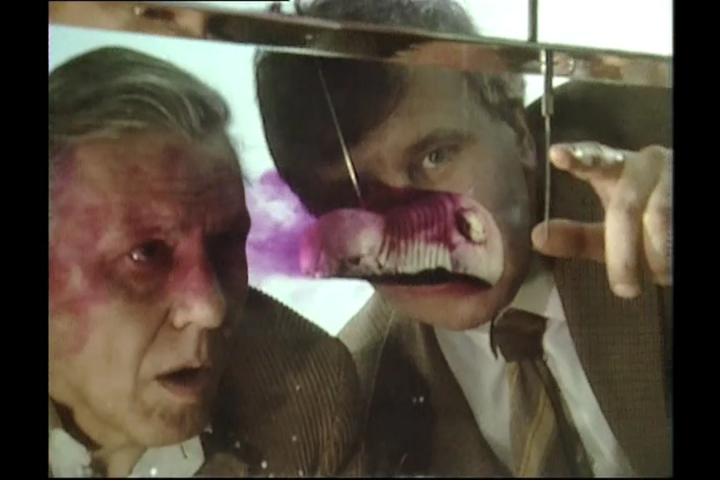 David Attenborough and Richard Forney look at a trilobite in a flume tank in Lost Worlds Vanished Lives.